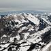 Unten im Tal Im Fang, darüber Vanil d' Arpille, Schopfenspitz, Combiflue und Chörblispitz. Ganz rechts das Chällihorn