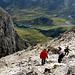 Aufgrund der der dichter werdenden Wolken und des frischen Windes verlassen die Bergsteiger scharenweise den Gipfel - umso besser ;-)