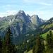 Im Westen zeigt die Hochkünzelspitze ihre rassige Nordost-Flanke