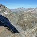 Links das Sustenjoch, der Chalchtalfirn, Grat zum Sustenspitz, der Sustenpass und schön sichtbar wie ausgesetzt und steil der Weg ist vom Bockberg zum Chalchtalfirn