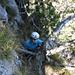 [u Lena] klettert durch Fels und Legföhren