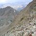 weiteres Abstiegsziel - der untere der beiden Seen - Laubkarsee<br /><br />brüchiges, steiles Gelände