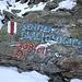 """In numerose località alpine sono sorti dei """"<b>Sentieri glaciologici</b>"""", che consentono al visitatore di osservare gli aspetti geomorfologici e le variazioni glaciali. Tutto ciò permette quindi di comprendere gli eventi e i processi che determinano l'aspetto attuale del paesaggio."""
