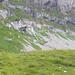 man beachte die bunten Punkte, die gerade auf dem Weg zur Durchquerung des Felsriffs des Ifen über den Normalweg sind