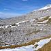 Das riesige Karrenfeld mit Blickrichtung Westen - Erigsmatt (2082 m).