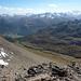 Blick über Chamues-ch und Berninagruppe