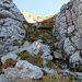 """die Stufe durch die """"Schibe"""" wo oben der Weg dann weiter zum Gipfel führt"""