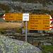 bene,ci manca ancora un pochetto di strada: da qui il sentiero è marcato di colore...come da foto
