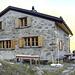 Die [hut6448 Chamanna dal Linard] in der Abendsonne. Gemütlich!