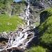 jetzt erstrahlt der Wasserfall
