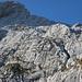 Der Klettersteig ( man erkennt die vielen Menschen schon )