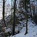 Der Felsriegel kurz nach der Homberglücke. Man umgeht in rechts und klettert dann durch eine Art Kamin hoch auf den Grat zurück (I).
