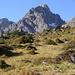 Parzinnspitze mit Boulderfelsen(rechts); ganz links der Spiehlerturm