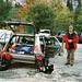Start zur Expedition. Hier der fachkundige Leiter am mobilen Basislager bei einigen einführenden Worten.<br />Man beachte: Weit der Zeit voraus, sieht man mich hier schon (2006 !) in prächtiges modisches hikr-org-Rot gewandet ! ;-)