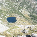 Corte di Starlaresc e laghetto visti dalla cima