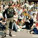 Der Marschorganisator Oberst van Doggen 300 m vor der Ehrentribühne