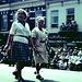 Ältere Damen beim Einmarsch