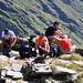 Adriano, Giovanni, io e papà alle prese con i lacci degli scarponi prima dello strappo di discesa finale (Stefano pic)