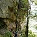 unterhalb der Kletterrouten gehts vorbei zum eigentlichen Einstieg