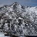 Bildmitte: der markante Ostsporn auf den Gipfel des Palù