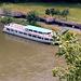 Schiffsanleger von Weltenburg von oben, 90 m unter uns die Donau