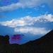 Obendrüber blauer Himmel, rechts das Jungfraumassiv