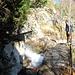 hier der Wasserfall, der die Undra speist. Oberhalb hats im Moment kein Wasser mehr.