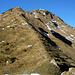 Die grüne Ostflanke des Zafernhorns, rechts unten der Weiterweg zur Gumpenerhöhe