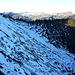 Frostige Aussichten in den unangenehmsten Streckenabschnitt des Zafernrundweges: den sehr steilen und eisigen Abstieg in die NO-Flanke des Zafernhorns. Die 'seilgesicherte' Querung beginnt im linken unteren Bildeck.