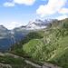I tetti rossi dell'Alp Calvaresc Desora andando verso la Capanna Buffalora