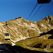 Mit der Seilbahn geht's hinauf ins Klettersteigvergnügen