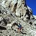 steiles Felsgelände vor dem Gipfel
