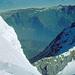 Tiefblick ins Tal von Grindelwald, rechts die Eiger-Westflanke
