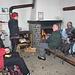 All'interno del piccolo ma gradevole locale invernale del rifugio Vaccaro Da sx: Max,Tilde,Aberto,Angelo,Enrico