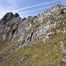 leicht geht es hoch zum Ampferstein, dem ersten Gipfel auf dieser schönen Runde. Alles hier ist für geübte Leute ohne Klettersteigset gut machbar. Dieser Gipfel wird im Sommer und Winter immer gern besucht