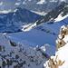 Blick vom Gipfel des Brisen in die Tiefe und auf den Haldigrat