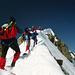 Kurzer Fotohalt kurz vor dem Gipfel der Fineilspitze - bergauf schaut's gar nicht so steil aus....<br />...bergab ist's luftiger -> siehe Foto 114