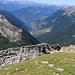 Vista sulla Val Pontirone, in primo piano la faglia geologica.