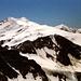 Die schneeweiße Nordflanke von Zufallspitze und Cevdale leuchten herüber.