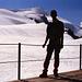 [u Jackthepot] mit dem Hüttenpanorama der Casatihütte; über den Gletscherwellen des Zufallferners der Doppelgipfel Zufallspitze und Cevedale.