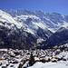 Mürren, Bildmitte: riesige Schneereste von der Schaflouwena vom Feb 2011