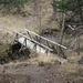 Der Wanderweg führt über diese Brücke. Ich bleibe auf der linken Seite des Baches