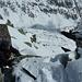 Foto Climb Story I: Mit den rutschigen Schuhsolen am Gipfelkopf er probierte, kaum je sich genierte