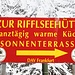 <b>La Riffelseehütte dista meno di 500 m: la raggiungo e approfitto della panoramicissima terrazza per scattare delle foto verso la Taschachtal e il bellissimo Mittagskogel: un tremila che mi attira moltissimo</b>.