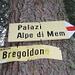 Seguire l'indicazione per [http://www.hikr.org/tour/post6467.html  l'Alp de Palazi]
