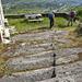 Kirchweg, man beachte die in den Fels gehauenen Stufen