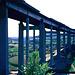 Die neue Autobahnbrücke der Autobahn Nürnberg - Würzburg - Frankfurt Die runden Pfeiler sind Hilfspfeiler, die nach Fertigstellung gesprengt werden Zwischen dem linken Pfeiler ist unsere Auffahrt auf die Giebelstätter Steige