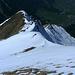 Noch ist er weiß, der steile Westgrat der Üntschenspitze. Über seine sehr steilen Grasflanken habe ich mich im Sommer 2010 heraufgekämpft. [tour26155 Üntschenspitze (2135m) Westgrat - Himmelsleiter aus Gras (Stairway to Heaven)]