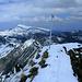 Auf dem zweiten Gipfel des Tages:  Güntlespitze mit 'langweiligem' Wegweiser als höchsten Punkt