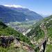 Im Aufstieg nach Eggen öffnet sich die Sicht auf die Lötschberglinie und das Rhonetal